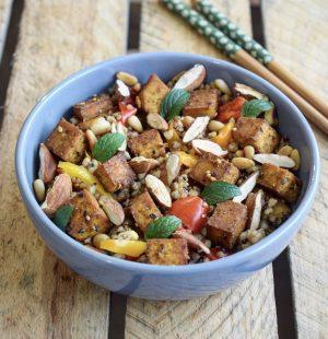 Wok de quinoa et sarrasin au tofu poêlé