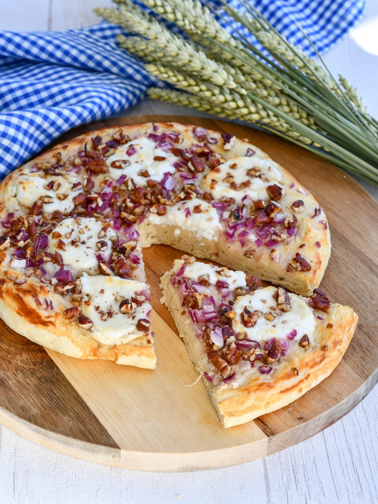 Pizza Chèvre, miel, noix et oignon rouge : au Cook Expert Magimix