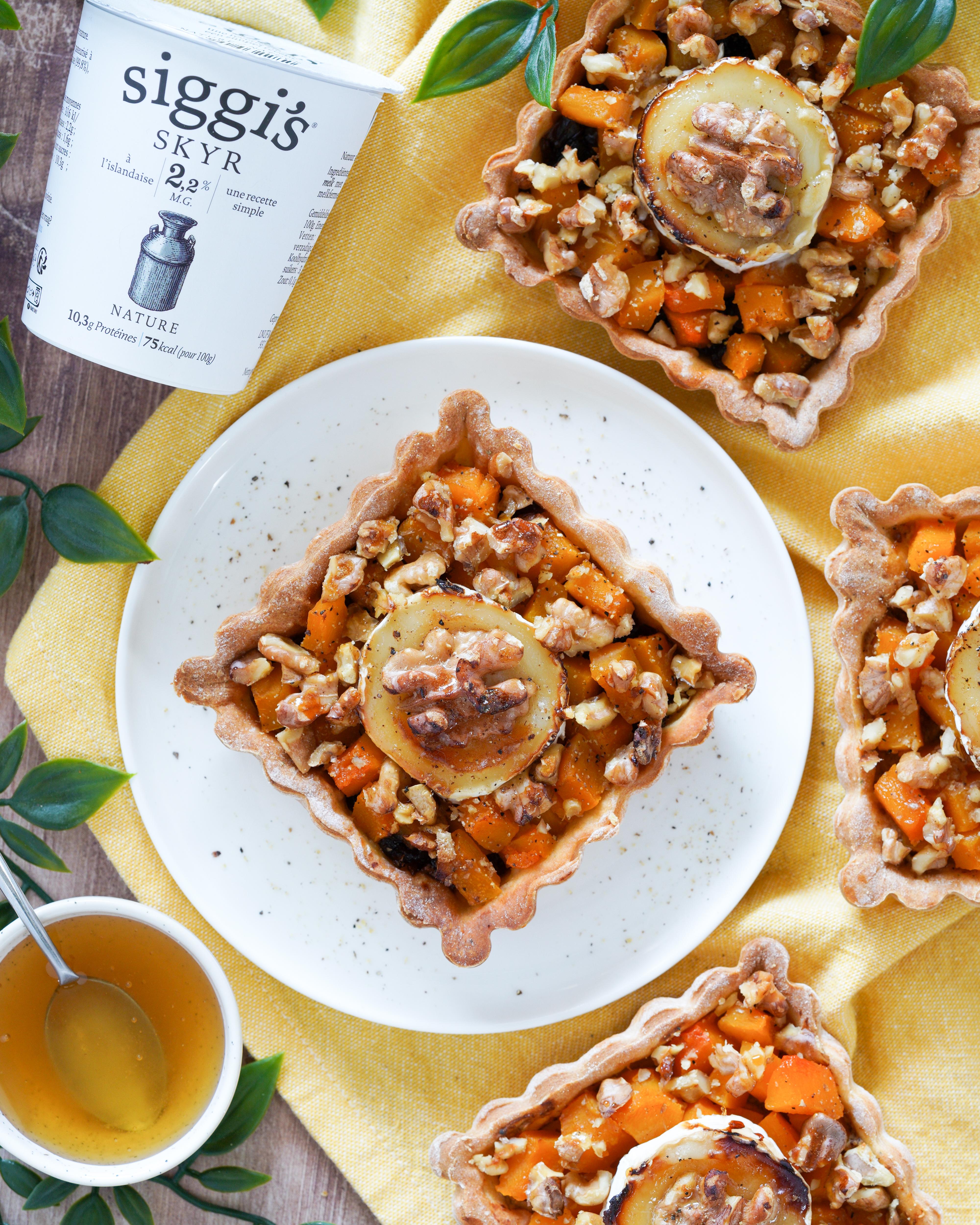 Recette de Minis tartes à la Butternut, chèvre, miel & noix
