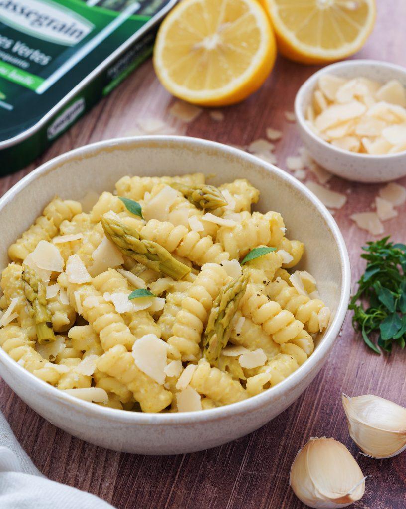 Pâtes à la crème d'asperges citronnée, ail & parmesan. Cassegrain