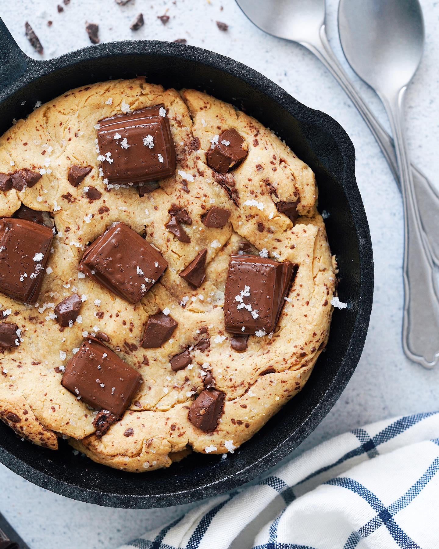 Recette de Cookie à la poêle au Chocolat et à la Fleur de sel